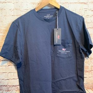 New with Tags Vineyard Vines t shirt